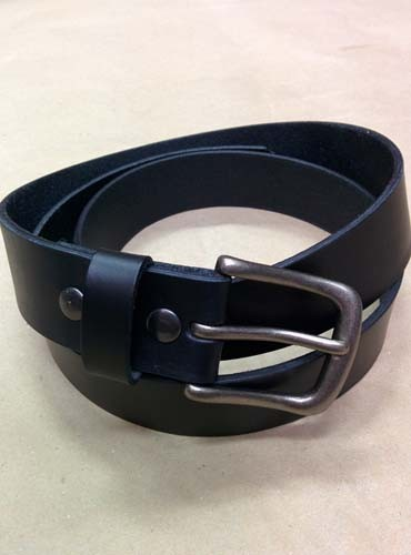 "LA-1300 1.5"" WIDE COWHIDE 8 TO 10 OZ BLACK LEATHER BELT IN 30"""