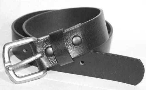 "LA-1325 1.25"" WIDE COWHIDE 8 TO 10 OZ BLACK LEATHER BELT IN 46"""